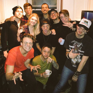 5Sos and friends