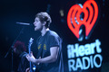 93.3 FLZ Jingle Ball - luke-hemmings wallpaper