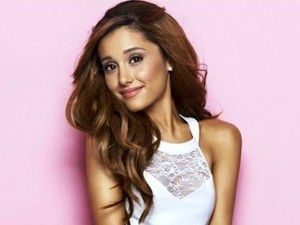Ariana Fangirling