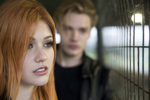 Shadowhunters TV ipakita wolpeyper containing a portrait titled Clace