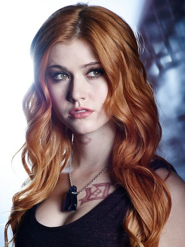Shadowhunters TV ipakita wolpeyper containing a portrait titled Clary Fray