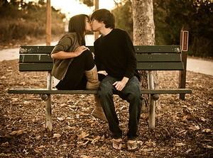 Couples love 18751317 439 326