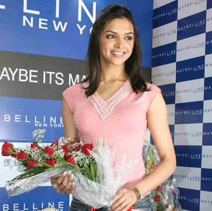 Deepika Padukone at warna of Maybelline
