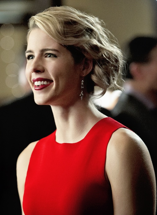 Pictures of felicity smoak