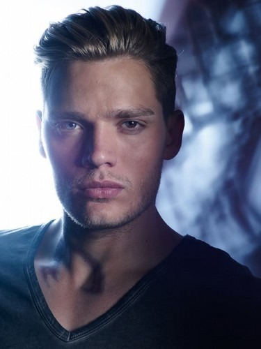 Shadowhunters TV 表示する 壁紙 containing a jersey and a portrait called Jace Wayland