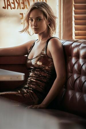 Jennifer Lawrence - Vogue Photoshoot - December 2015