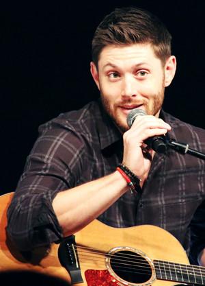 Jensen With a 기타