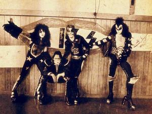 KISS ~Cadillac, Michigan...October 9 - 10,1975