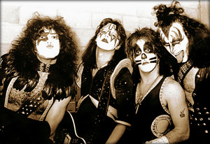 KISS ~Chattanooga, Tennessee…September 10, 1975 (Alive! Tour)