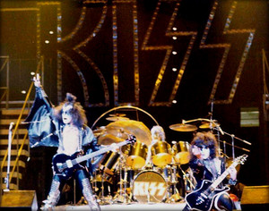 吻乐队(Kiss) ~Cleveland, Ohio...January 8, 1978 Alive II tour