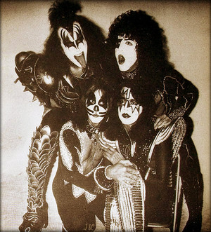 吻乐队(Kiss) (NYC) April 9, 1976