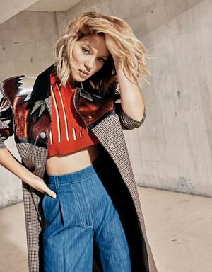 Lea Seydoux - Grazia France Photoshoot - 2015