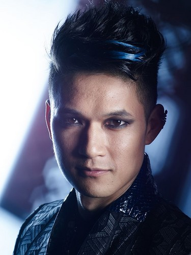 Shadowhunters TV Zeigen Hintergrund possibly with a portrait titled Magnus Bane