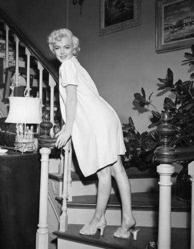 玛丽莲·梦露 壁纸 entitled Marilyn Monroe