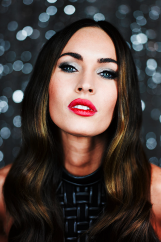 Megan Fox wallpaper possibly containing a portrait titled Megan Fox