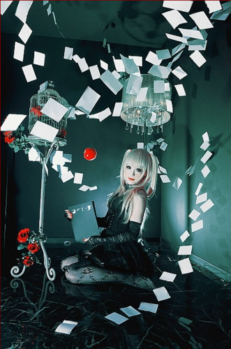 Death Note fond d'écran possibly containing a street, a cross, and a lectern titled Misa Amane - Cosplay