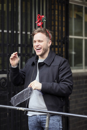 Olly Arriving at the ITV Studios