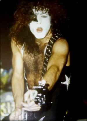 Paul ~Milwaukee, Wisconsin…February 4, 1976 (Alive tour)