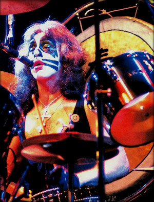 Peter 1977 (Love Gun tour)