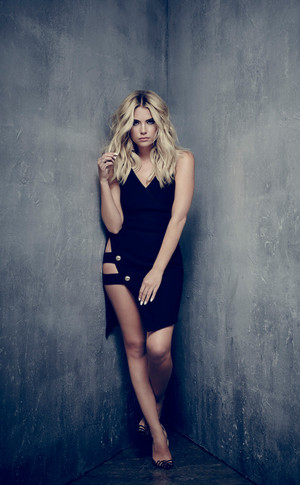Pretty Little Liars Hanna Season 6b Portrait