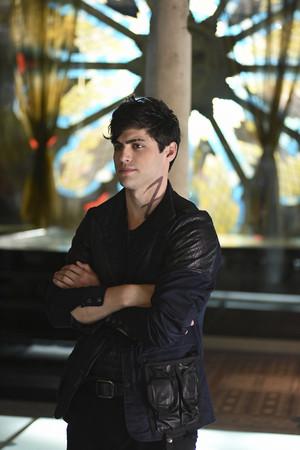 Shadowhunters - Season 1 - 1x02 - Episode Stills