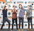 one-direction - Telehit Awards 2015 wallpaper