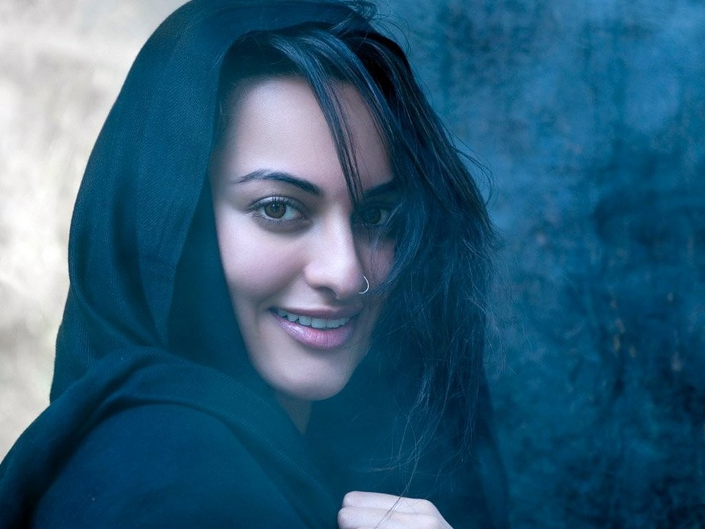 sonakshi sinha images the gorgeous ~~ sonakshi sinha hd wallpaper