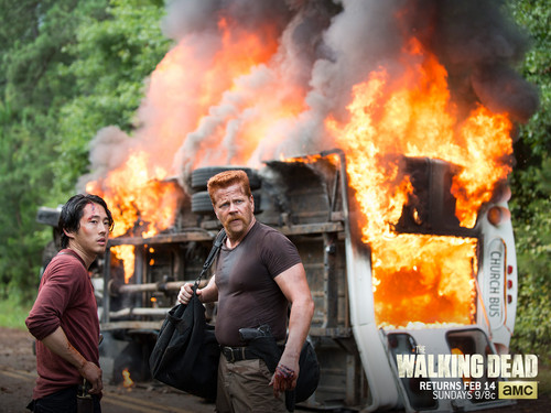 The Walking Dead Hintergrund with a feuer titled The Walking Dead