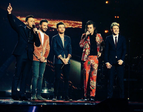One Direction achtergrond containing a business suit and a suit titled The X Factor Final 2015