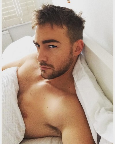 how tall is tom austen