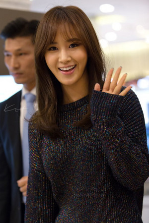 Yuri @ Fansign Event