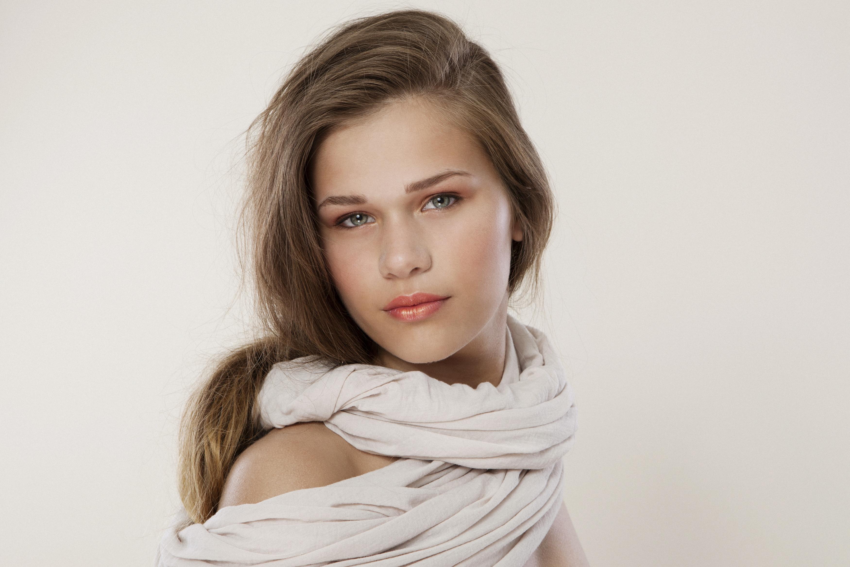 Beautiful Albanian Women, Albanian girls - Albânia
