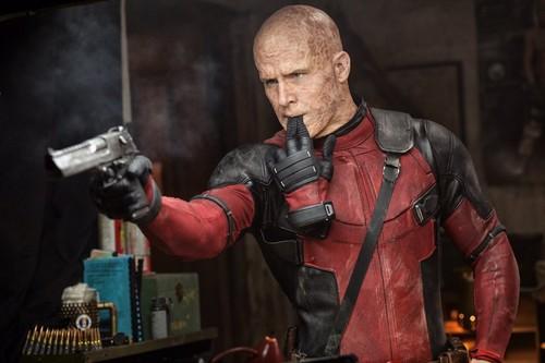 Deadpool (2016) fondo de pantalla titled 'Deadpool' (2016) Promotional foto