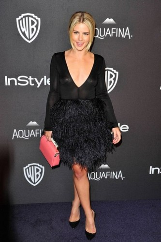 Emily Bett Rickards karatasi la kupamba ukuta with a portrait called January 10th 2016, InStyle And Warner Bros. 73rd Annual Golden Globe Awards Post-Party