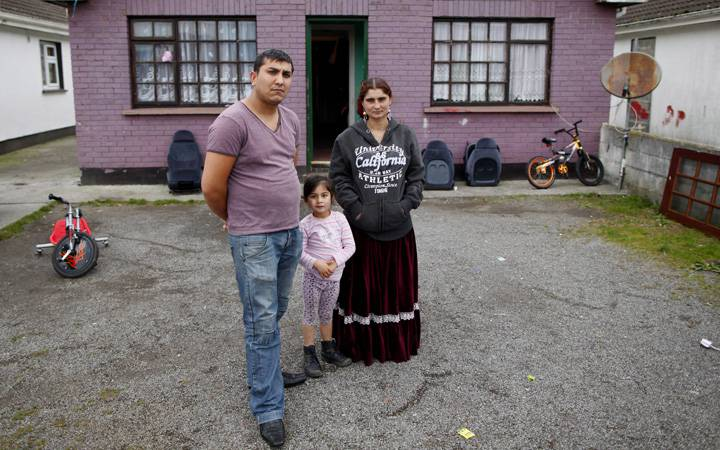 Gypsy images Romanian family,parents of blond boy seized ...