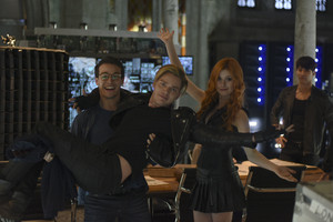 'Shadowhunters' 1x02 The Descent Into Hell Is Easy (behind the scenes)