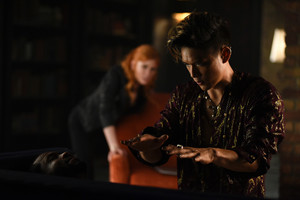 'Shadowhunters' 1x06 Of Men and ángeles (stills)