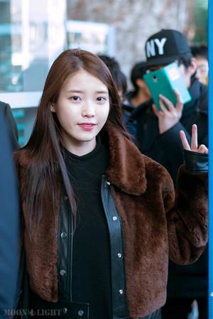 160111 iu at Incheon Airport Returning from Taipei