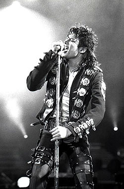 250px Michael Jackson in 1988