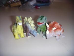 4 Dinofroz.JPG