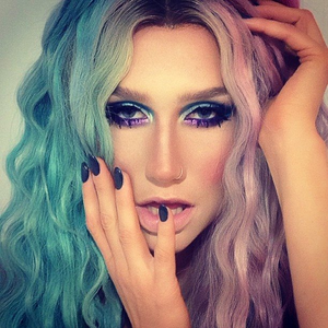 A Few Kesha Pictures =]