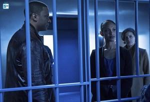 Arrow - Episode 4.11 - A.W.O.L. - Promo Pics