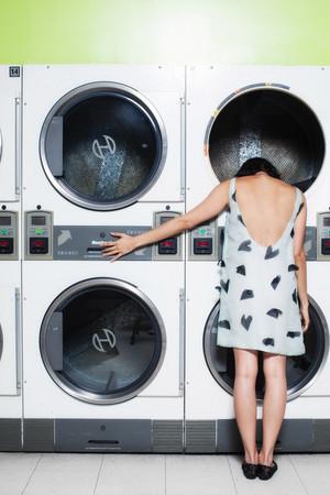 Aubrey Plaza modelos Rachel Antonoff's Spring 2014 Ready-to-Wear Collection