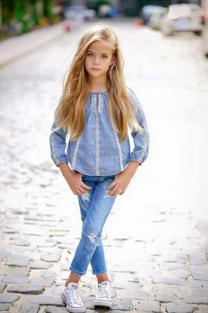 Beautiful Albanian Girl, 阿尔巴尼亚 - People