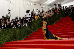 Beyoncé Knowles Red Carpet Arrivals Met Gala 6HYO6IWZUzEl