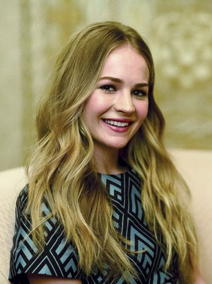 Britt Robertson - Los Angeles Times Photoshoot - 2015