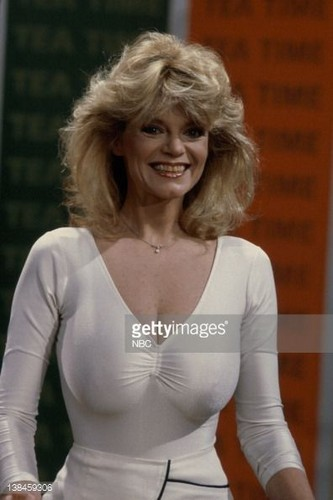 beroemdheden who died young achtergrond possibly with tights and a leotard titled Carol Wayne (September 6, 1942 – January 13, 1985)