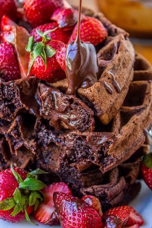 cokelat wafel and Strawberries