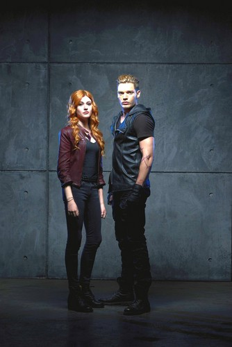 Shadowhunters TV 表示する 壁紙 with a business suit and a well dressed person entitled Clace