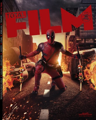 Deadpool (2016) দেওয়ালপত্র possibly with a hip boot entitled Deadpool on the Cover of Total Film Magazine